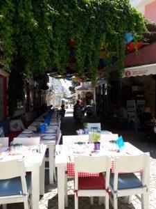 huzurlu mavi çeşme alaçatı cafe restaurant