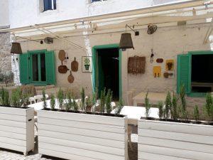 huzurlu mavi çeşme alaçatı cafe restaurant6