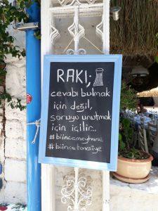 huzurlu mavi çeşme alaçatı balık lokantası1