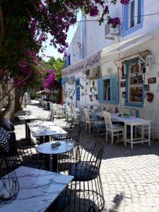 huzurlu mavi çeşme alaçatı cafe restaurant10