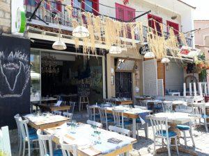 huzurlu mavi çeşme alaçatı balık lokantası3