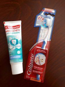Colgate Hassas Dişlere Özel Pro-çözüm ve yumuşak başlı diş fırçası