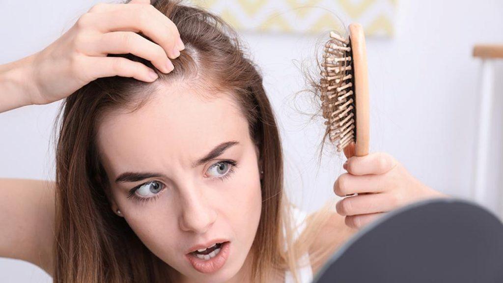 Saç Dökülmesine En İyi GelenŞampuan Nasıl Olmalı