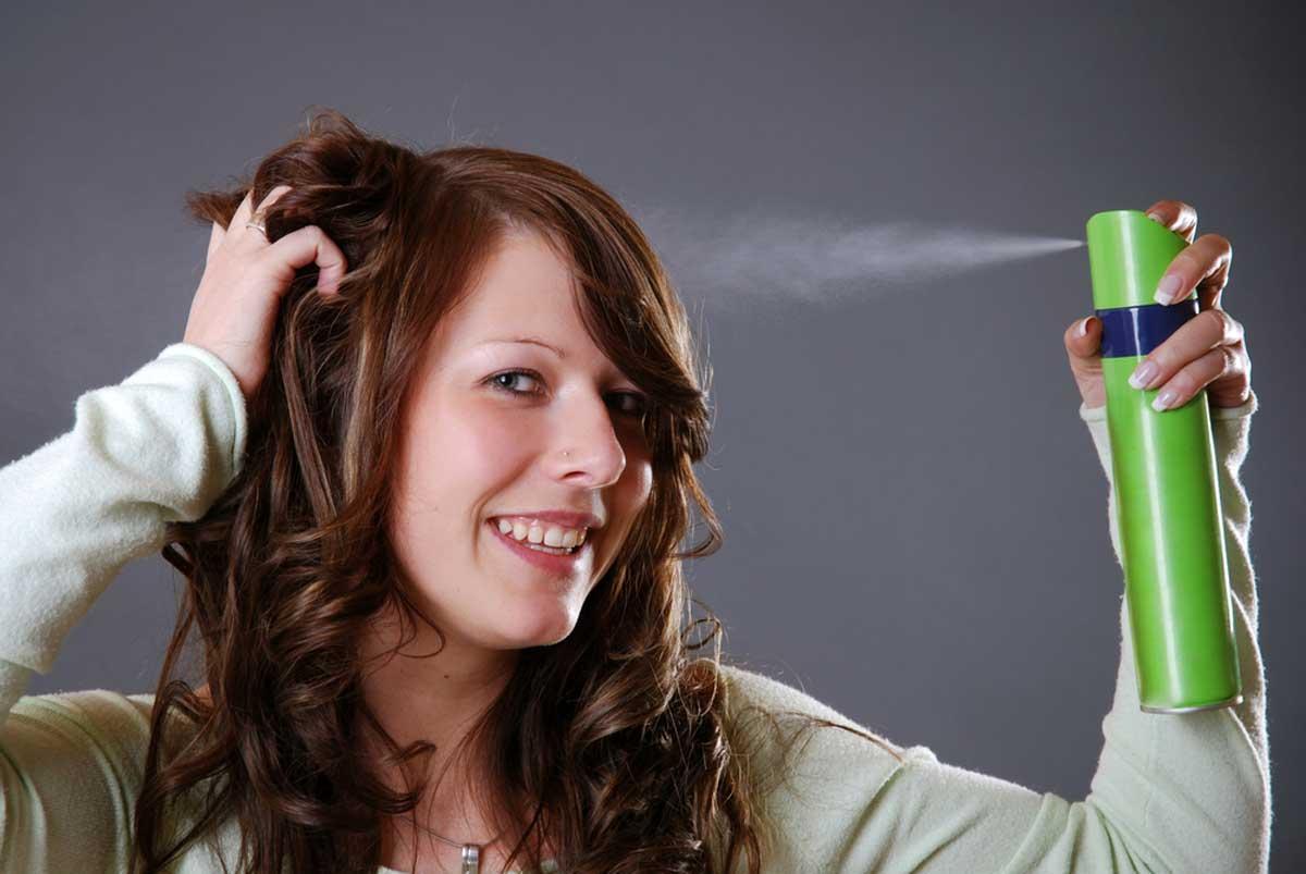 En İyi Saç Spreyi Nasıl Kullanılmalıdır?